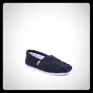 🆕 TOMS Women's Classic Cable Knit Slip-On